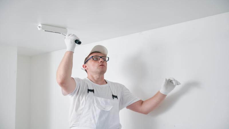 Quel est le tarif d'une peinture au plafond ?